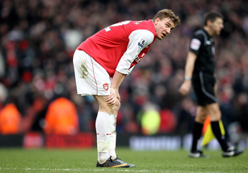 LONDON, ENGLAND - MARCH 05:  Nicklas Bendtner of Arsenal shows his disappointment at the final whistle during the Barclays Premier League match between Arsenal and Sunderland at Emirates Stadium on March 5, 2011 in London, England.  (Photo by Paul Gilham/