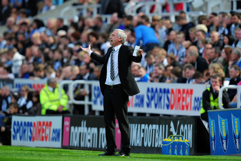 NEWCASTLE UPON TYNE, ENGLAND - MAY 22:  Newcastle manager Alan Pardew shouts out instructions during the Barclays Premier League game between Newcastle United and West Bromwich Albion at St James' Park on May 22, 2011 in Newcastle upon Tyne, England.  (Ph