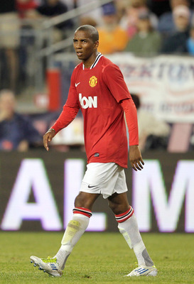 FOXBORO, MA - JULY 13:  Ashley Young #16 of Manchester United competes during a friendly match against the New England Revolution at Gillette Stadium on July 13, 2011 in Foxboro, Massachusetts. (Photo by Jim Rogash/Getty Images)