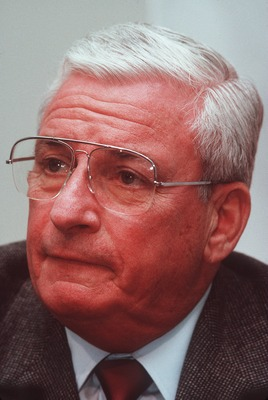 1 Feb 1991:  Owner Art Modell of the Cleveland Browns during a press conference in Cleveland, Ohio. Mandatory Credit: Allsport USA/ALLSPORT