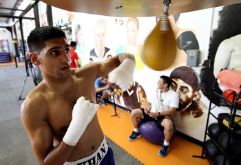 LAS VEGAS, NV - JULY 19:  Amir Khan during a training session the IBA gym on July 19, 2011 in Las Vegas, Nevada.  (Photo by Scott Heavey/Getty Images)