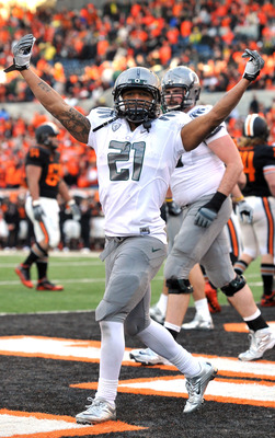 CORVALLIS, OR - DECEMBER 4: LaMichael James #21 of the Oregon Ducks celebrates a touchdown in the fourth quarter of the game at Reser Stadium on December 4, 2010 in Corvallis, Oregon. The Ducks beat the Beavers 37-20 to likely go on the BCS Championship g