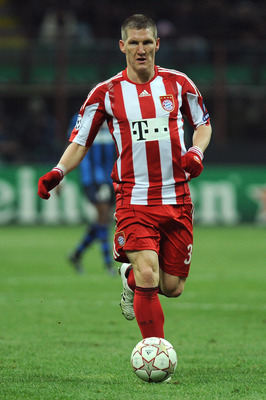 MILAN, ITALY - FEBRUARY 23:  Bastian Schweinsteiger of FC Bayern Muenchen in action during the UEFA Champions League round of 16 first leg match between Inter Milan v FC Bayern Muenchen on February 23, 2011 in Milan, Italy.  (Photo by Valerio Pennicino/Ge