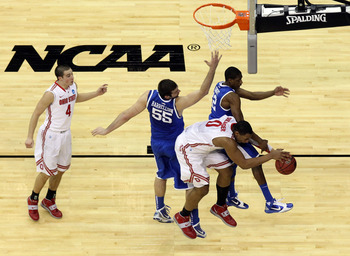 NEWARK, NJ - MARCH 25:  Jared Sullinger #0 of the Ohio State Buckeyes goes for a lay up against the Kentucky Wildcats during the second half of the east regional semifinal of the 2011 NCAA Men's Basketball Tournament at the Prudential Center on March 25,