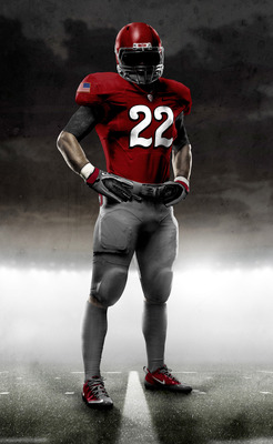 Photo courtesy http://uwire.com/2010/09/01/nike-unveils-new-ohio-state-uniform-for-2010-michigan-game/