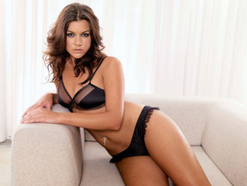 44_imogen_thomas_display_image
