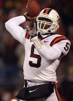 CHARLOTTE, NC - DECEMBER 04:  Tyrod Taylor #5 of the Virginia Tech Hokies drops back to pass against the Florida State Seminoles during their game at Bank of America Stadium on December 4, 2010 in Charlotte, North Carolina.  (Photo by Streeter Lecka/Getty