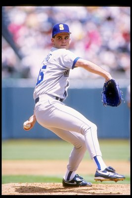 24 Jun 1992:  Pitcher Dave Fleming of the Seattle Mariners prepares to throw the ball during a game against the Oakland Athletics. Mandatory Credit: Otto Greule  /Allsport