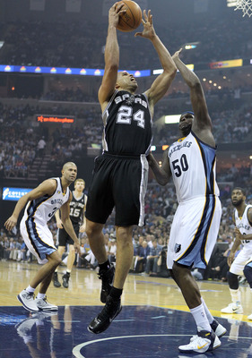 MEMPHIS, TN - APRIL 23:  Richard Jefferson #24 of the San Antonio Spurs shoots the ball while defended by Zach Randolph #50 of the Memphis Grizzles in Game three of the Western Conference Quarterfinals in the 2011 NBA Playoffs at FedExForum on April 23, 2