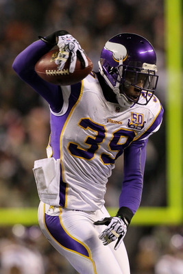 PHILADELPHIA, PA - DECEMBER 28: Husain Abdullah #39 of the Minnesota Vikings celebrates after intercepted a pass intended for DeSean Jackson #10 of the Philadelphia Eagles at Lincoln Financial Field on December 28, 2010 in Philadelphia, Pennsylvania. (Pho
