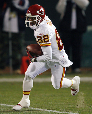 Kansas wide receiver Dante Hall in second half action as the Kansas City Chiefs defeated the Oakland Raiders by a score of 20 to 9 at McAfee Coliseum, Oakland, California, December 23, 2006. (Photo by Robert B. Stanton/NFLPhotoLibrary)