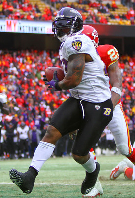 KANSAS CITY, MO - JANUARY 09:  Running back Willis McGahee #23 of the Baltimore Ravens scores a touchdown in the fourth quarter of the 2011 AFC wild card playoff game against the Kansas City Chiefs at Arrowhead Stadium on January 9, 2011 in Kansas City, M