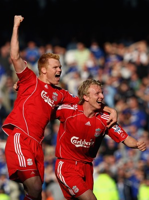 LIVERPOOL, UNITED KINGDOM - OCTOBER 20:  Dirk Kuyt of Liverpool celebrates at the final whistle with John Arne Riise during the Barclays Premier League match between Everton and Liverpool  at Goodison Park on October 20, 2007 in Liverpool, England.  (Phot