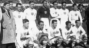 http://images.mirror.co.uk/upl/dailyrecord3/jun2010/0/4/usa-world-cup-team-in-1930-image-1-298533175.jpg