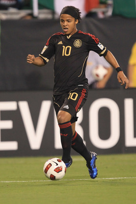 CHARLOTTE, NC - JUNE 09:  Giovani Dos Santos #10 of Mexico against Cuba during their game in the CONCACAF Gold Cup at Bank of America Stadium on June 9, 2011 in Charlotte, North Carolina.  (Photo by Streeter Lecka/Getty Images)