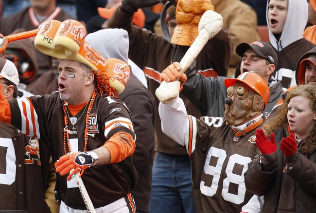 CLEVELAND - NOVEMBER 25:  Fans of the Cleveland Browns show their support during the NFL game against the Houston Texans at Cleveland Browns Stadium on November 25, 2007 in Cleveland, Ohio. (Photo by Gregory Shamus/Getty Images)