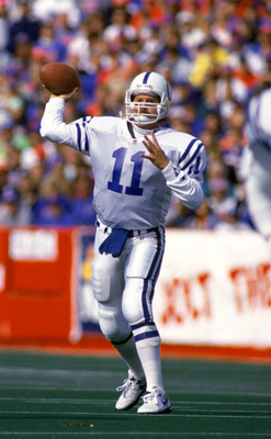 BUFFALO, NY - OCTOBER 13:  Quarterback Jeff George #11 of the Indianapolis Colts passes during a NFL game against the Buffalo Bills at Rich Stadium on October 13, 1991 in Buffalo, New York.  The Bills defeated the Colts 42-6.  (Photo by Rick Stewart/Getty