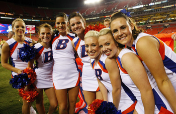 LANDOVER, MD - SEPTEMBER 06:  Boise State Broncos cheerleaders pose on the sidelines after the Broncos defeated the Virginia Tech Hokies 33-30 at FedExField on September 6, 2010 in Landover, Maryland.  (Photo by Geoff Burke/Getty Images)