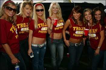 College-sports-hottest-female-fans-36_display_image