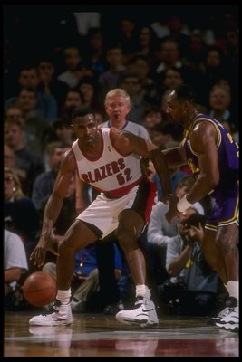 24 Feb 1995:  Forward Buck Williams of the Portland Trail Blazers moves the ball during a game against the Utah Jazz at the Rose Garden in Portland, Oregon.  The Blazers won the game, 114-101. Mandatory Credit: Otto Greule  /Allsport Mandatory Credit: Ott