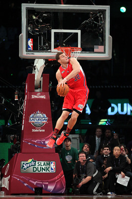 LOS ANGELES, CA - FEBRUARY 19:  Blake Griffin #32 of the Los Angeles Clippers goes up for a dunk in the Sprite Slam Dunk Contest apart of NBA All-Star Saturday Night at Staples Center on February 19, 2011 in Los Angeles, California. NOTE TO USER: User exp