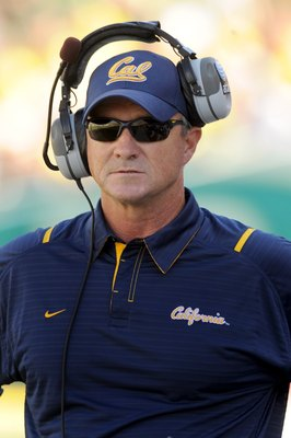 EUGENE, OR - SEPTEMBER 26: Head coach Jeff Tedford of the California Bears looks out at the action on the field in the second quarter of the game against the Oregon Ducks at Autzen Stadium on September 26, 2009 in Eugene, Oregon. Oregon won the game 42-3.