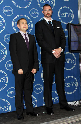 LOS ANGELES, CA - JULY 13:  (L-R) Actor Jonah Hill and NBA player Kevin Love pose in the press room at The 2011 ESPY Awards at Nokia Theatre L.A. Live on July 13, 2011 in Los Angeles, California.  (Photo by Frederick M. Brown/Getty Images)