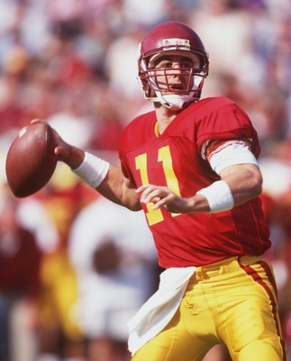 12 NOV 1994:  QUARTERBACK ROB JOHNSON OF USC FADES BACK TO PASS DURING A 45-28 VICTORY OVER ARIZONA AT THE MEMORIAL COLESIUM IN LOS ANGELES, CALIFORNIA.  JOHNSON WAS 25 FOR 35 WITH 390 YARDS PASSING ON THE DAY, INCLUDING A STREAK OF 15 CONSECUTIVE COMPLET