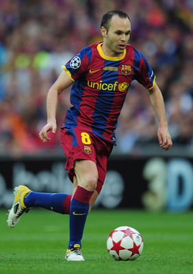 LONDON, ENGLAND - MAY 28:  Andres Iniesta of FC Barcelona in action during the UEFA Champions League final between FC Barcelona and Manchester United FC at Wembley Stadium on May 28, 2011 in London, England.  (Photo by Shaun Botterill/Getty Images)