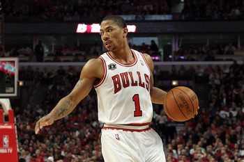 CHICAGO, IL - MAY 26:  Derrick Rose #1 of the Chicago Bulls runs the offense against the Miami Heat in Game Five of the Eastern Conference Finals during the 2011 NBA Playoffs on May 26, 2011 at the United Center in Chicago, Illinois. NOTE TO USER: User ex