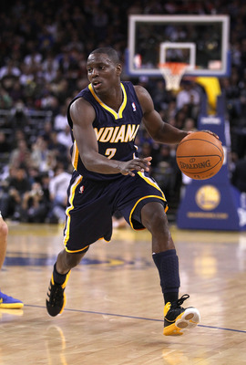 OAKLAND, CA - JANUARY 19:  Darren Collison #2 of the Indiana Pacers in action against the Golden State Warriors at Oracle Arena on January 19, 2011 in Oakland, California.  NOTE TO USER: User expressly acknowledges and agrees that, by downloading and or u