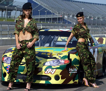Izabel-goulart-and-isabella-hervey-nascar-2_display_image