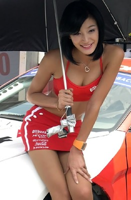 Sexy-umbrella-girl-in-red_display_image