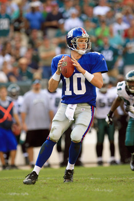 PHILADELPHIA - SEPTEMBER 17:  Quarterback Eli Manning #10 of the New York Giants drops back to pass during the game against the Philadelphia Eagles at Lincoln Financial Field on September 17, 2006  in Philadelphia, Pennsylvania. The Giants defeated the Ea