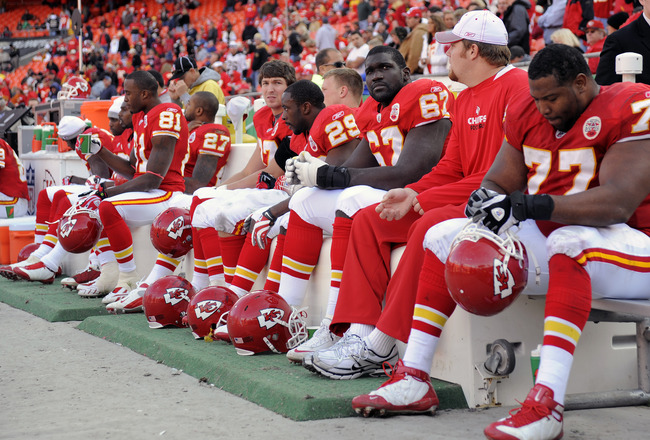 KANSAS CITY, MO - NOVEMBER 16:  Players of the Kansas City Chiefs look on from the bench during the closing moments against the New Orleans Saints on November 16, 2008 at Arrowhead Stadium in Kansas City, Missouri.  The Saints defeated the Chiefs 30-20.