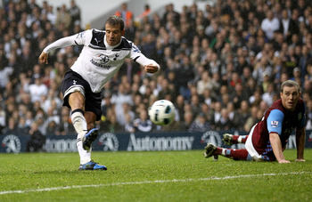 LONDON, ENGLAND - OCTOBER 02:  Rafael Van der Vaart of Spurs scores the second goal during the Barclays Premier League match between Tottenham Hotspur and Aston Villa at White Hart Lane on October 2, 2010 in London, England.  (Photo by Paul Gilham/Getty I