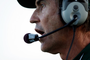 COLUMBIA, MO - NOVEMBER 07:  Head coach Art Briles of the Baylor Bears watches from the sidelines during the game against the Missouri Tigers at Faurot Field/Memorial Stadium on November 7, 2009 in Columbia, Missouri.  (Photo by Jamie Squire/Getty Images)