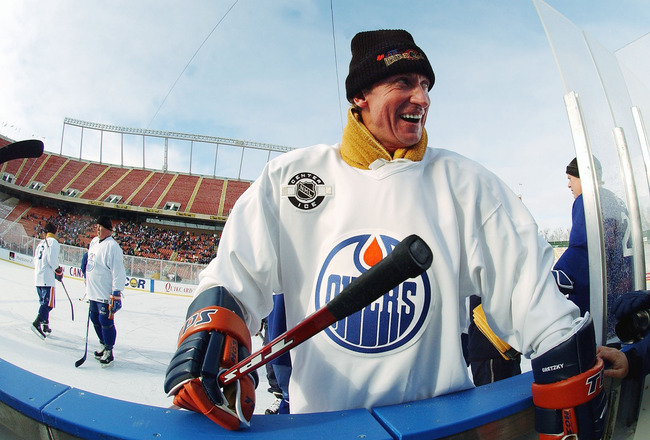 EDMONTON - NOVEMBER 17:     Wayne Gretzky #99 of the Edmonton Oilers alumni has a laugh during practice, for the upcoming Heritage Classic hockey game November 21, 2003 in Edmonton, Alberta. (Photo By Dave Sandford/Getty Images)