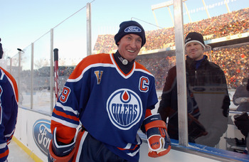EDMONTON, CANADA - NOVEMBER 22:  Wayne Gretzky #99 of the Edmonton Oilers smiles during the Molson Canadien Heritage Classic against the Montreal Canadiens on November 22, 2003 at Commonwealth Stadium in Edmonton, Canada. The Oilers defeated the Canadiens