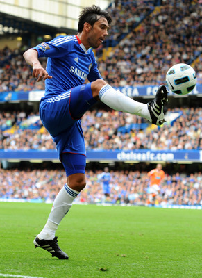 LONDON, ENGLAND - SEPTEMBER 19:  Paulo Ferriera of Chelsea controls the ball during the Barclays Premier League match between Chelsea and Blackpool at Stamford Bridge on September 19, 2010 in London, England.  (Photo by Mike Hewitt/Getty Images)