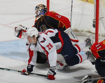 SUNRISE, FL - FEBRUARY 15:Alexander Semin #28 of the Washington Capitals skates against the Florida Panthers on February 15, 2009 at the BankAtlantic Center in Sunrise, Florida. (Photo by Bruce Bennett/Getty Images)