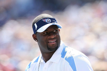 NASHVILLE, TN - SEPTEMBER 28:  Quarterback Vince Young #10 of the Tennessee Titans watches from the sidelines as his team defeats the Minnesota Vikings at LP Field on September 28, 2008 in Nashville, Tennessee. The Titans defeated the Vikings 30-17.  (Pho