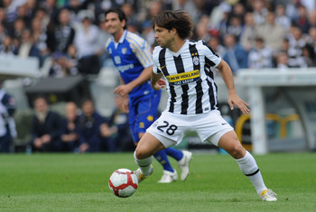 TURIN, ITALY - MAY 09:  Ribas Da Cunha Diego of Juventus FC in action during the Serie A match between Juventus FC and Parma FC at Stadio Olimpico di Torino on May 9, 2010 in Turin, Italy.  (Photo by Valerio Pennicino/Getty Images)