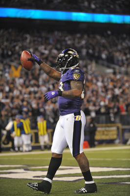 BALTIMORE - NOVEMBER 29:  Willis McGahee #23 of the Baltimore Ravens celebrates the Ravens first touchdown against the Pittsburgh Steelers at M&T Bank Stadium on November 29, 2009 in Baltimore, Maryland. (Photo by Larry French/Getty Images)