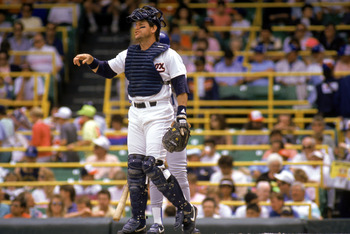 1990:  Carlton Fisk of the Chicago White Sox reacts to the call during the 1990 season. (Photo by: Jonathan Daniel/Getty Images)