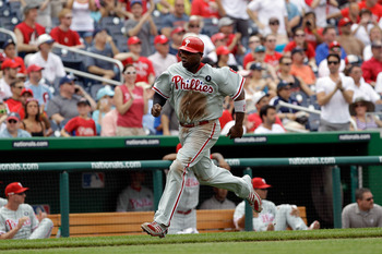 WASHINGTON, DC - JUNE 01: Ryan Howard #6 of the Philadelphia Phillies runs to home plate against the Washington Nationals at Nationals Park on June 1, 2011 in Washington, DC. (Photo by Rob Carr/Getty Images)