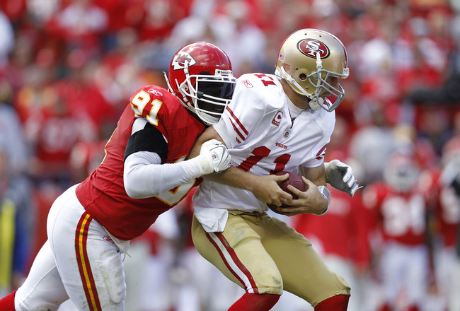 KANSAS CITY, MO - SEPTEMBER 26: Tamba Hali #91 of the Kansas City Chiefs sacks Alex Smith #11 of the San Francisco 49ers at Arrowhead Stadium on September 26, 2010 in Kansas City, Missouri. The Chiefs won 31-10. (Photo by Joe Robbins/Getty Images)