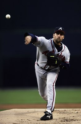 CARSON, CA - MAY 22:  Starting Pitcher John Smoltz #29 of the Atlanta Braves pitches against the San Diego Padres during the first inning at Petco Park May 22, 2006 in San Diego, California.  (Photo by Donald Miralle/Getty Images)