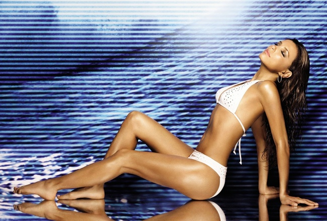 Eva-longoria-hot-legs-1680x1050_crop_650x440