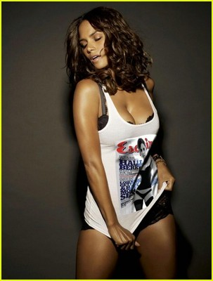 Halle-berry-esquire-november-2008-02_display_image